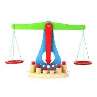 Весы ученические деревянные с набором гирек (макет). ТМ KOMAROVTOYS